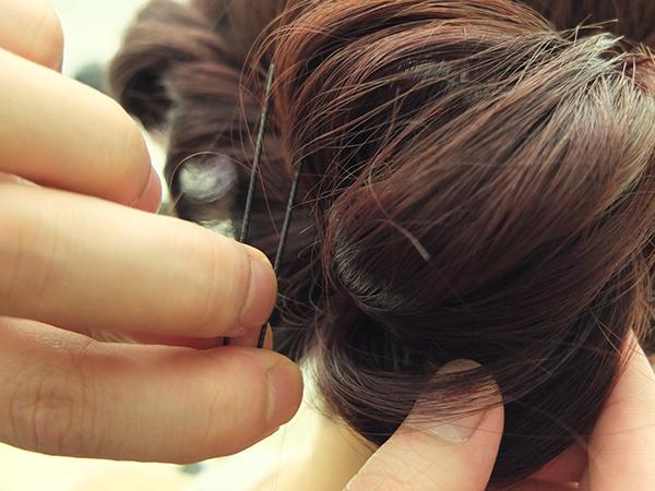 仙气飘飘!4步骤打造韩国靓模李圣经花圈盘发